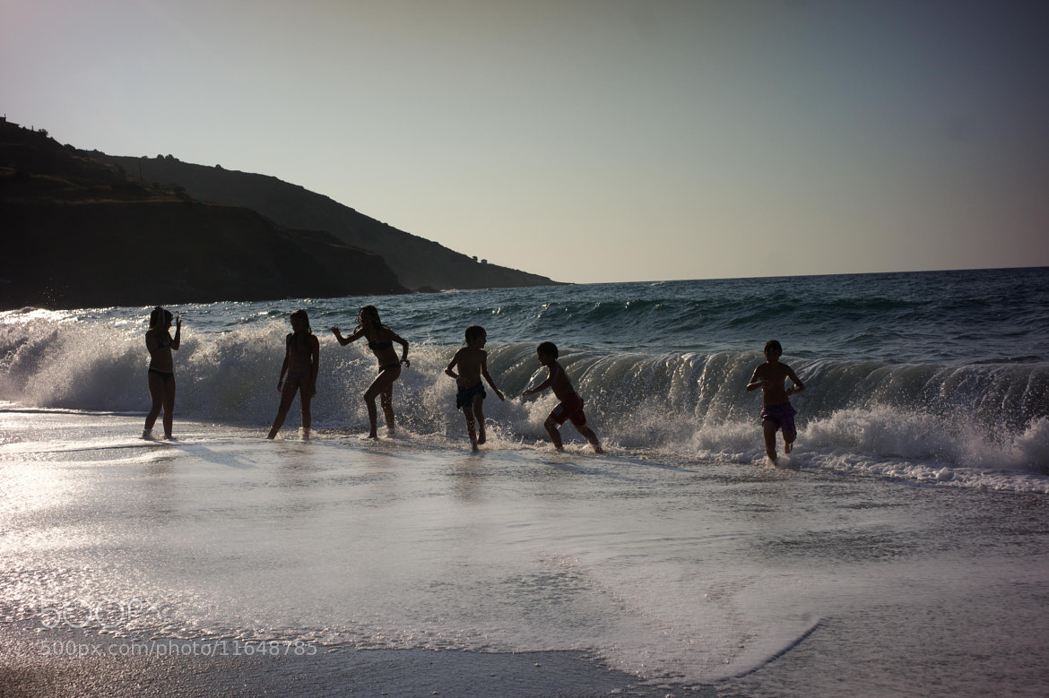 Photograph playing with waves by Luca Febbraio on 500px