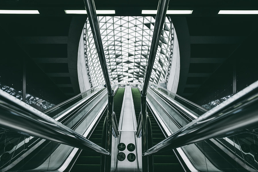Budapest Metro by Simon Alexander on 500px.com