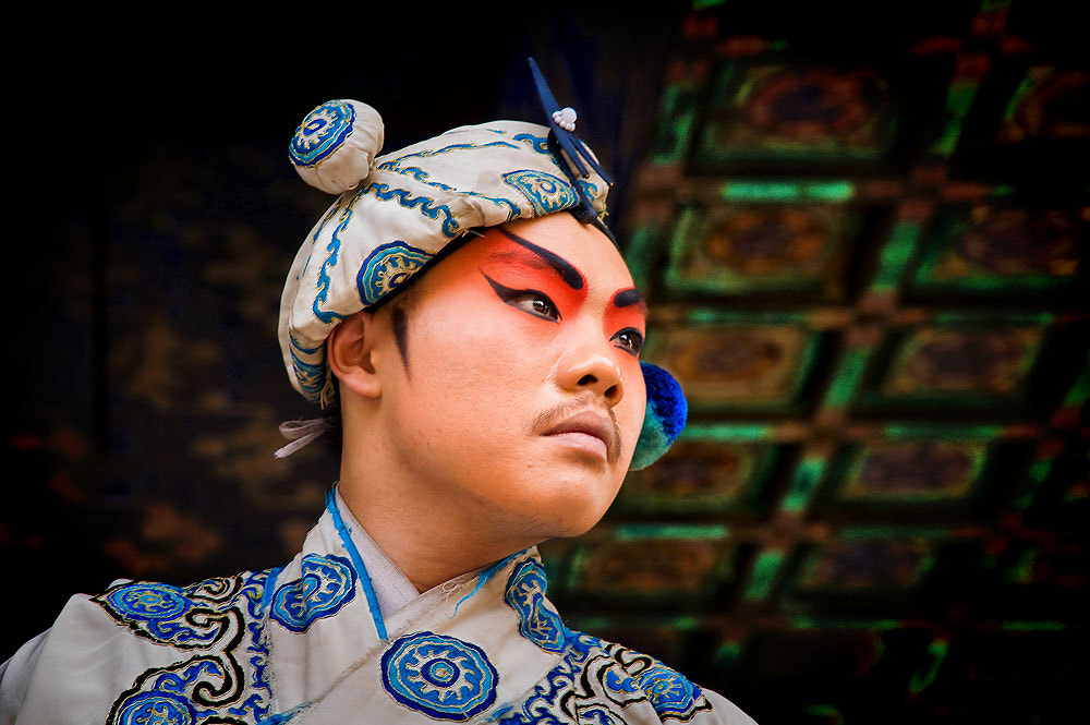 Photograph Chinese opera face by Jumrus Leartcharoenyong on 500px