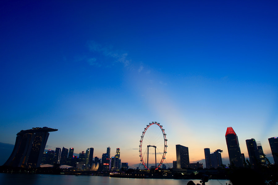 The Beautiful Evening Glow of Marina Bay