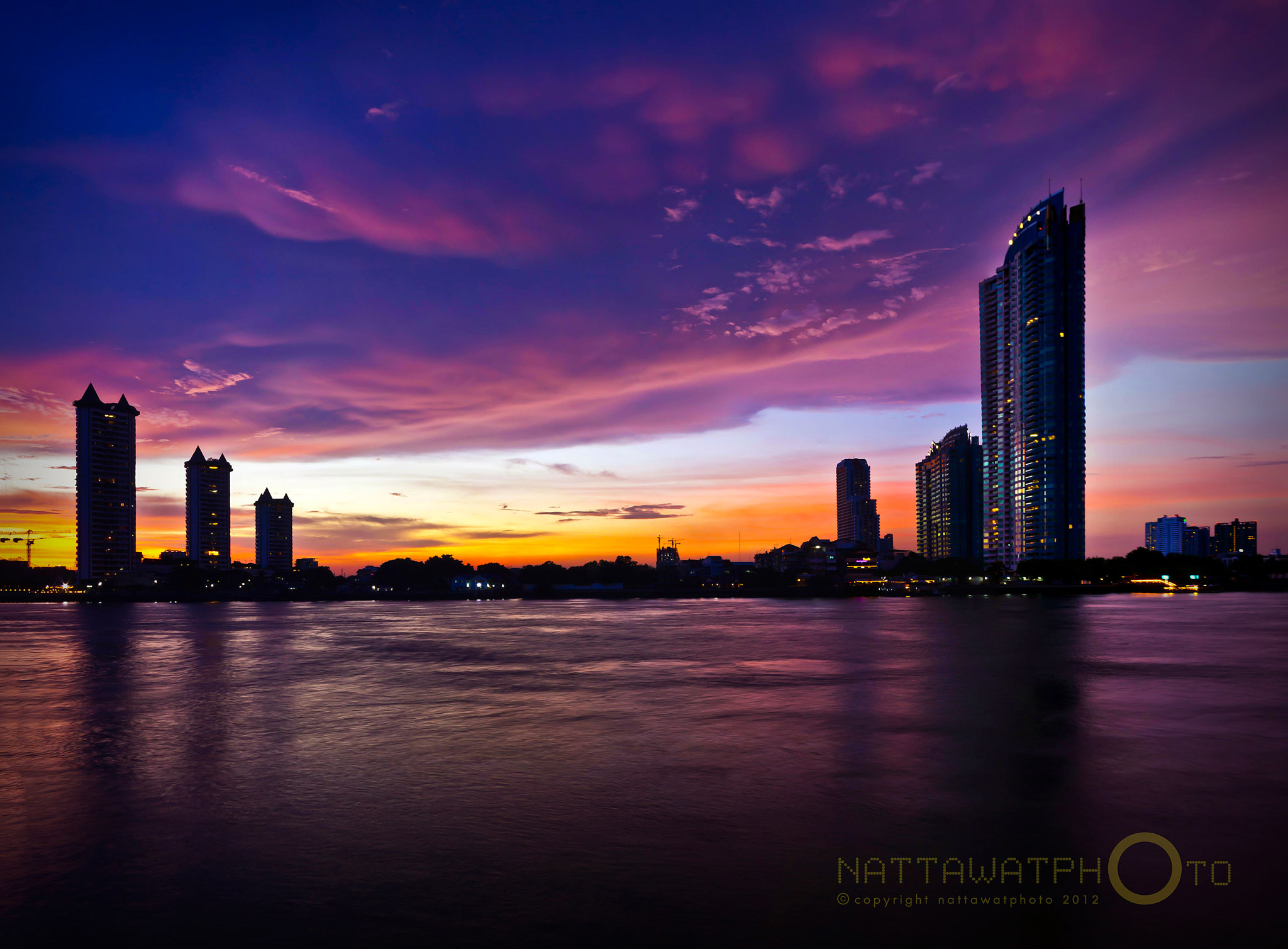 Photograph Colorful sky at ASIATIQUE by Nattawat Arpornkeart on 500px