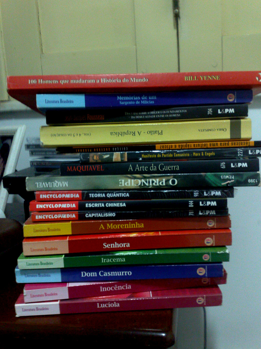 Photograph My books by Victor Guimarães on 500px