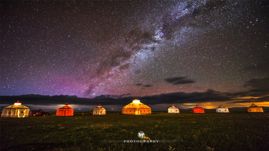 Yurts and Galaxy by 吴 忠 on 500px.com