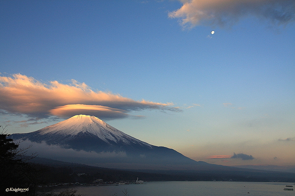 Photograph Lenticular cloud with morning Moon. by Hiro Naito on 500px