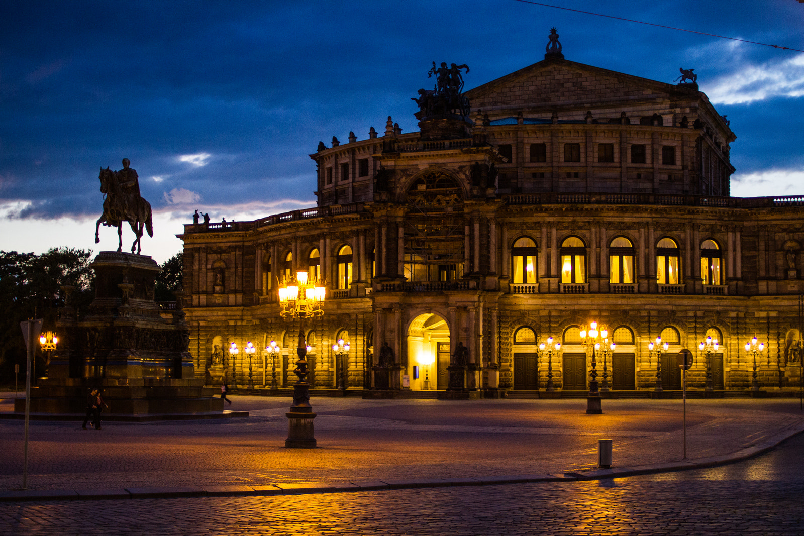 Photograph Semperoper by Philipp K on 500px