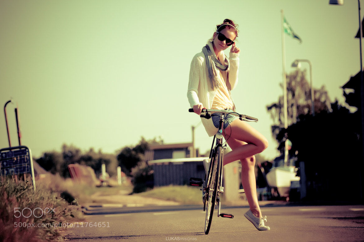 Photograph girl and bicycle by Lu Mis on 500px