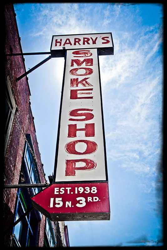 Photograph Smoke Shop by Will Turner on 500px