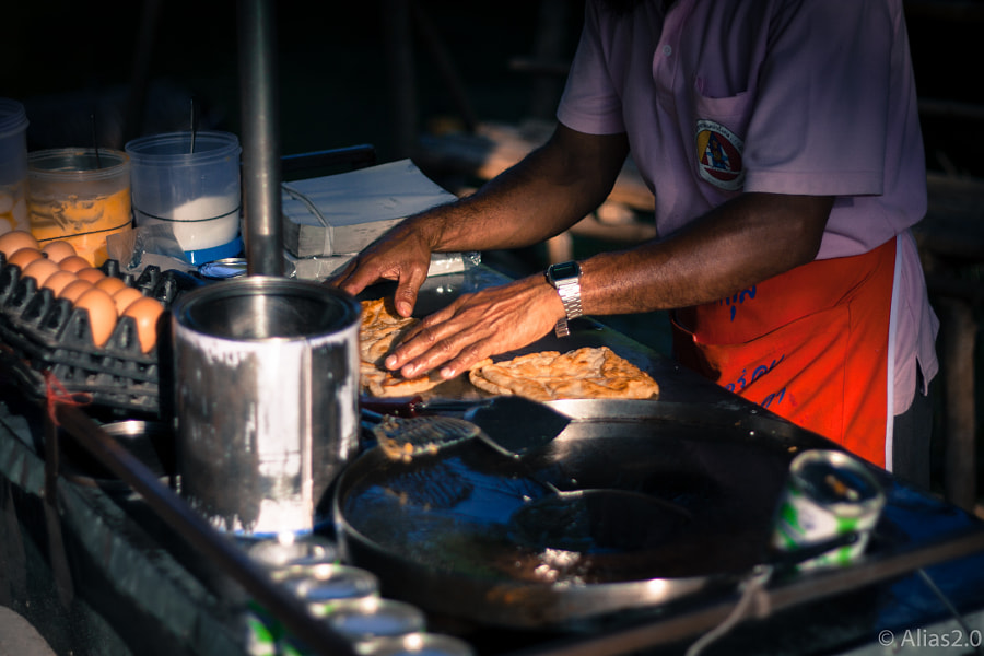 Roti in the making by Julien Vernet