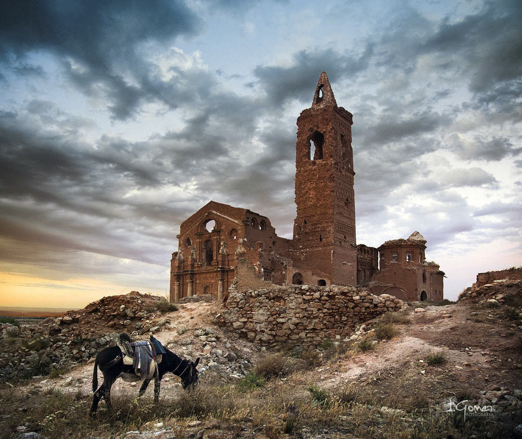 Photograph On the way to the old village by Iñaki Gomez on 500px