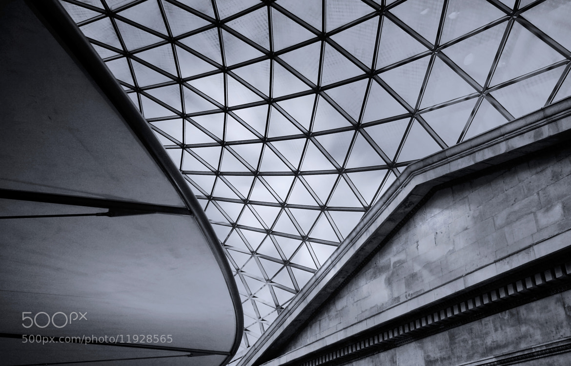 Photograph The tomb of British museum  by Agradoot Ghatak on 500px