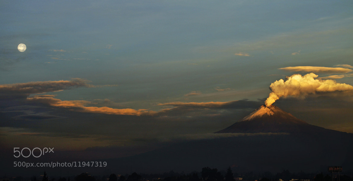 Photograph Smoking Volcano and full moon by Cristobal Garciaferro Rubio on 500px