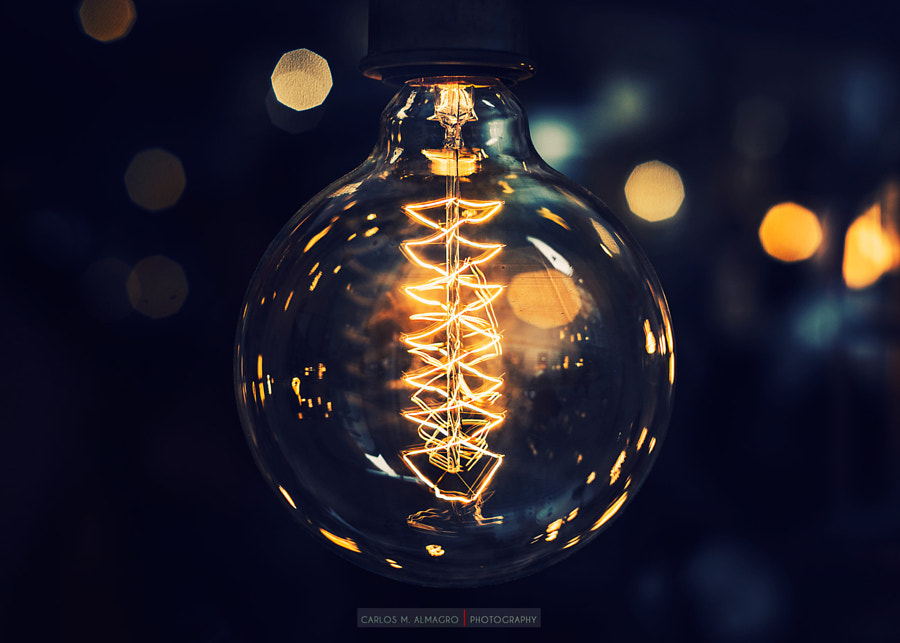 The bulb by Carlos M. Almagro on 500px.com