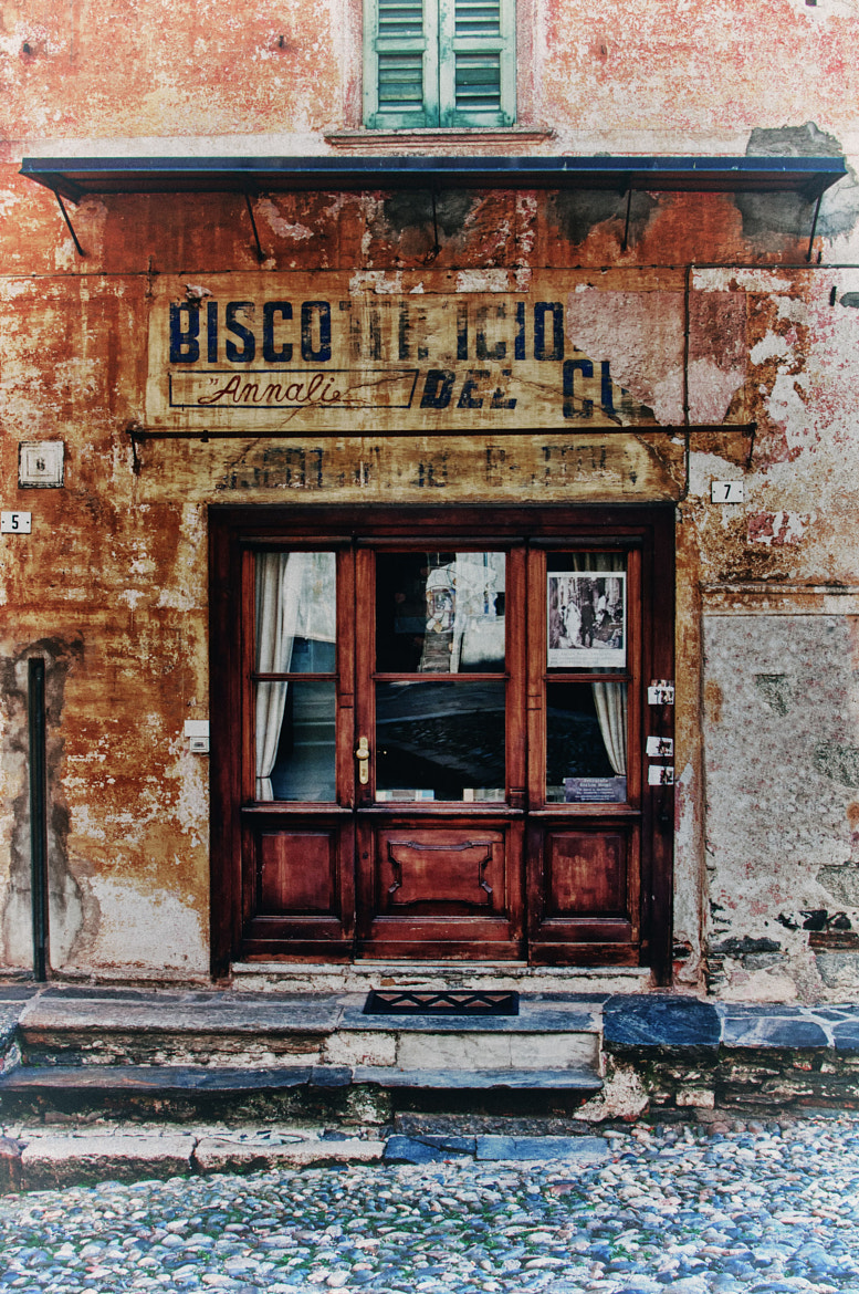 Photograph Old Cookies store by Fabrizio Iacoviello on 500px