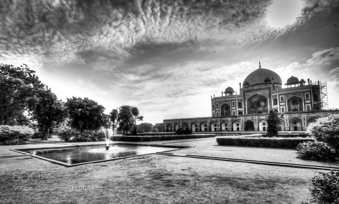 Photograph The Tomb of Mughals - Humayun Tomb by Nitin Gupta on 500px