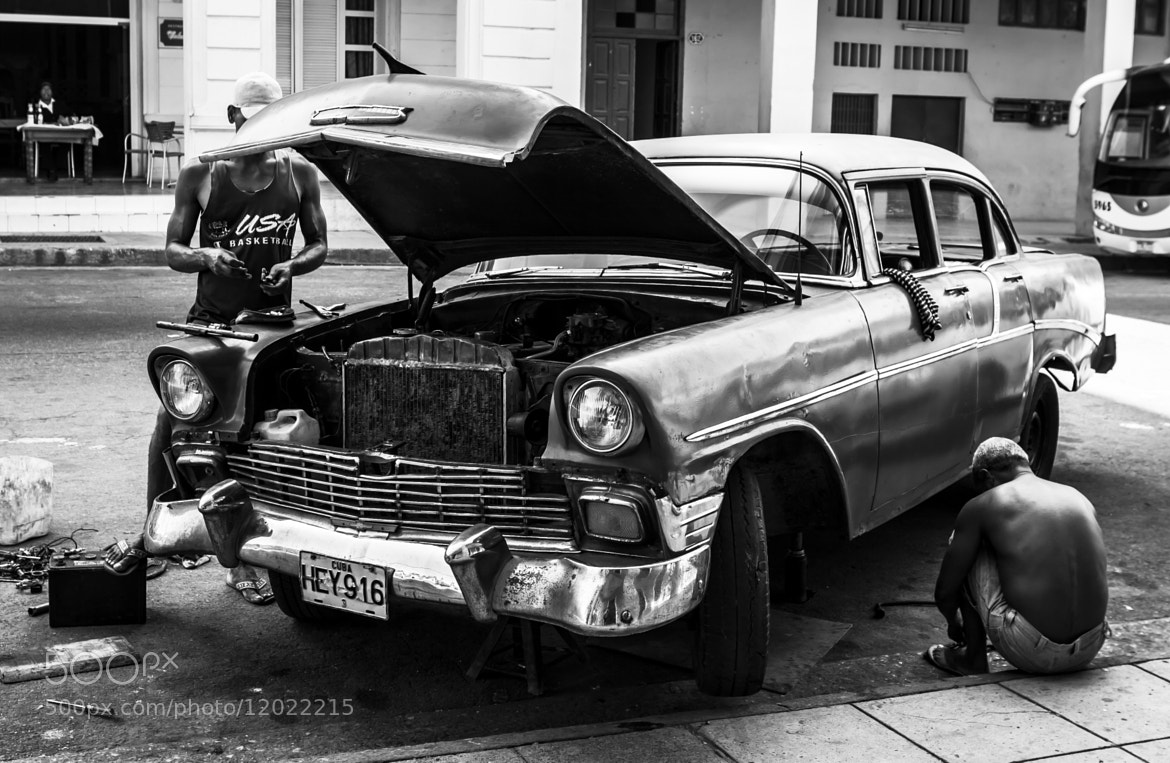 Photograph Havana Car Repair by Daniel Wewerka on 500px
