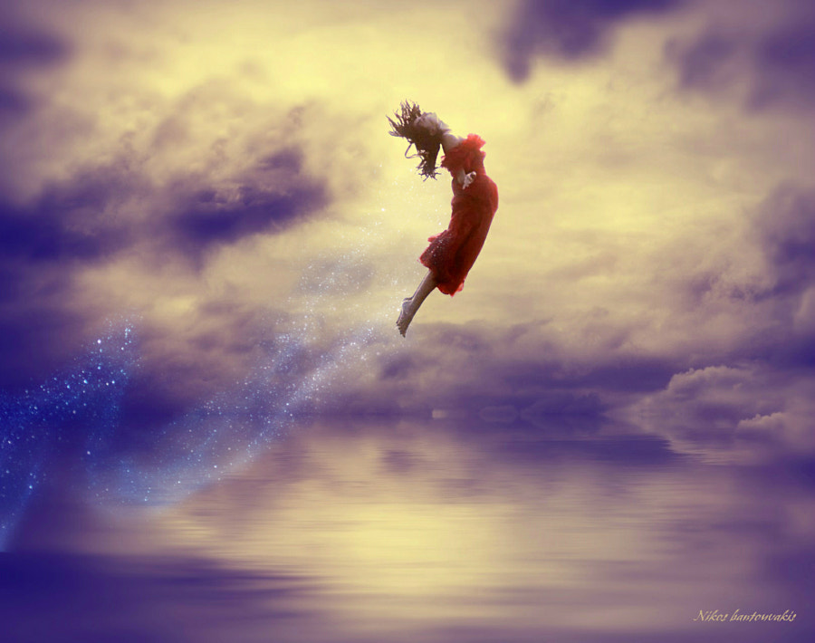 Woman in air by nikos Bantouvakis on 500px.com