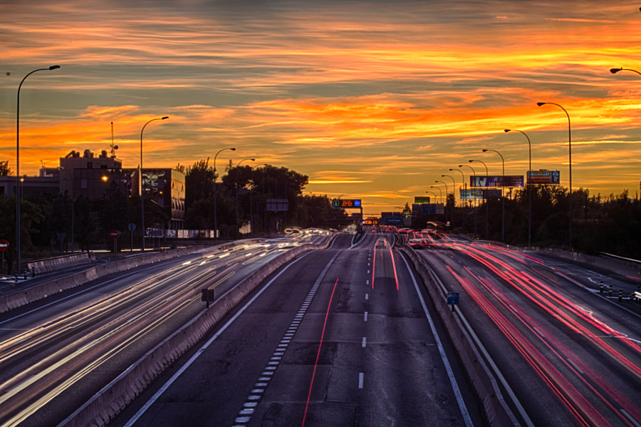 Photograph Estelas de coches HDR by Yoan Ramos on 500px