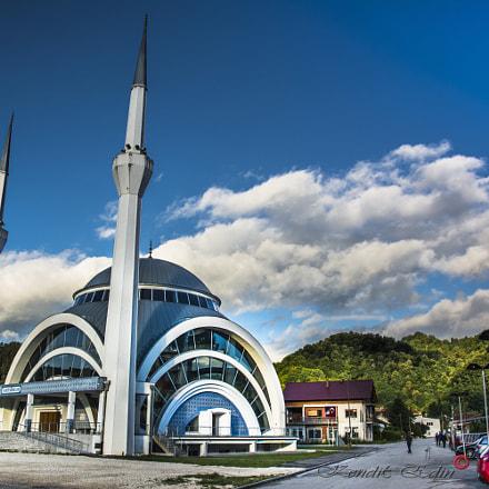 Vali Recep Yazicioglu mosque in Maglaj