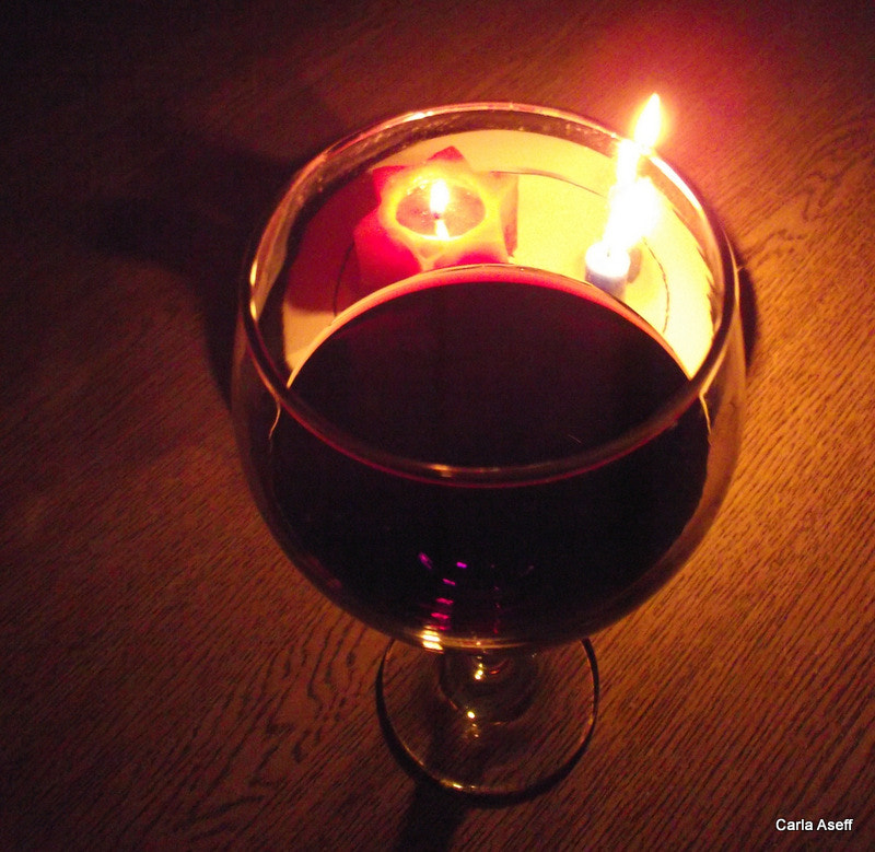 Photograph Red wine and lights by Carla Aseff on 500px