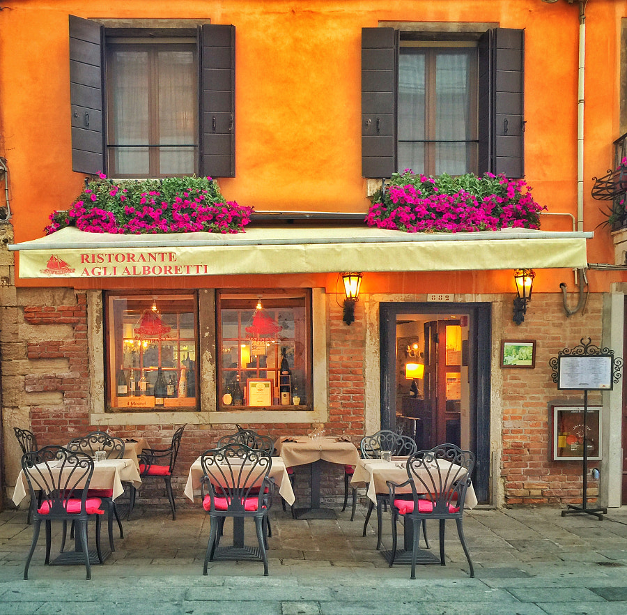Typical Venice Restaurant by Ahmet Hamdi on 500px.com