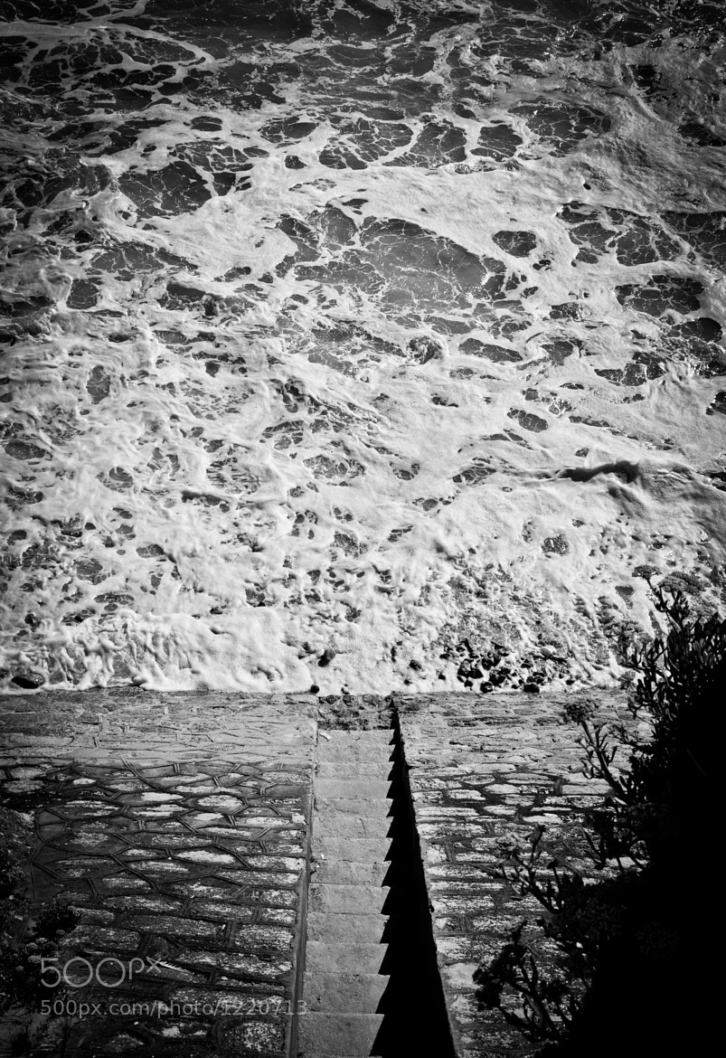 Photograph Steps into the ocean by Pedro Thomaz on 500px