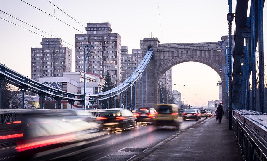 Grunwaldzki Bridge and morning traffic