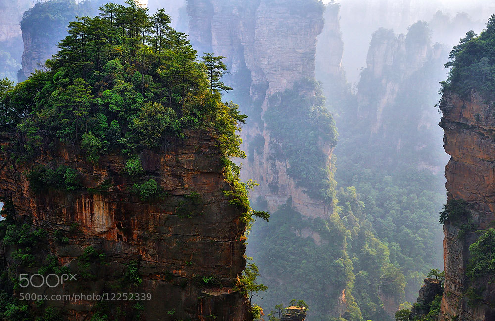 Photograph 2D Avatar location filming #4 : Zhang Jia Jie by Jumrus Leartcharoenyong on 500px