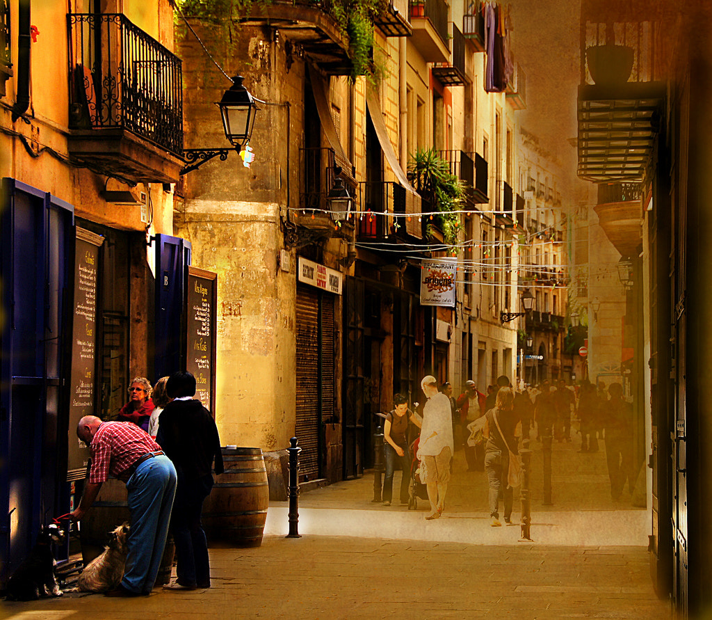 Photograph In the streets of Barcelona II by Ellen Fuhlenriede on 500px