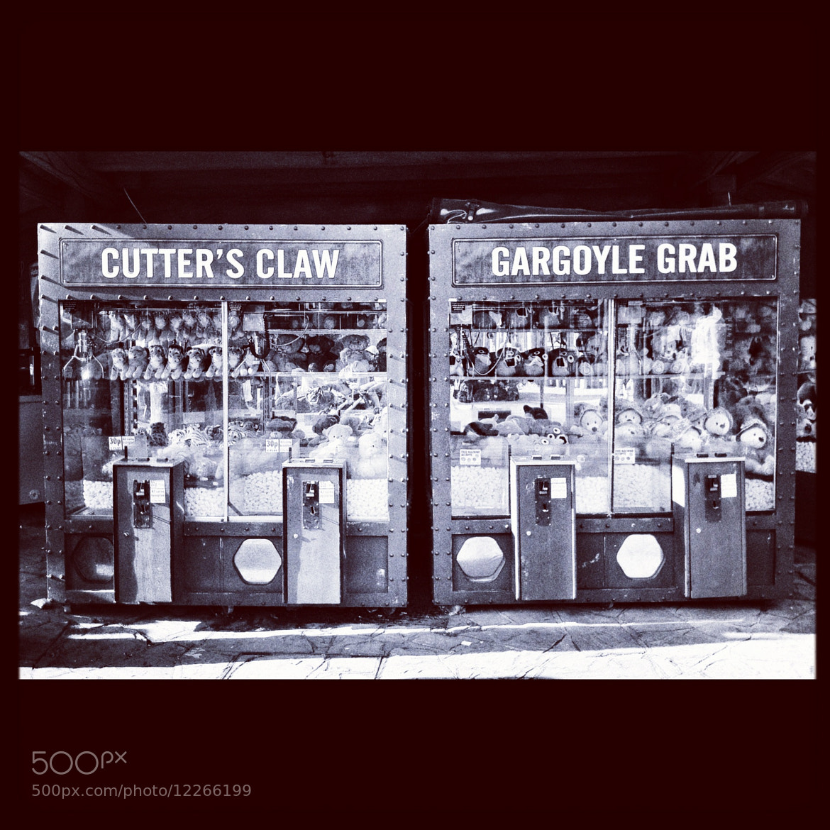 Photograph vending machines by Lara Compton on 500px