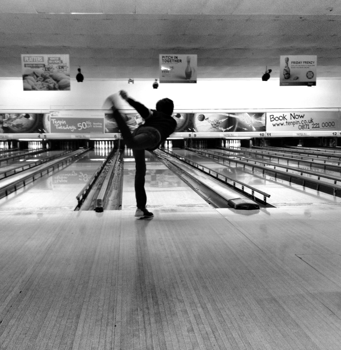 Photograph bowling by Lara Compton on 500px