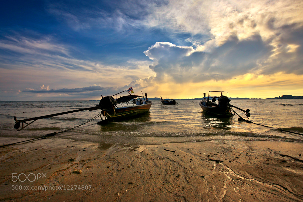 Photograph boat@krabi by Arthit Somsakul on 500px
