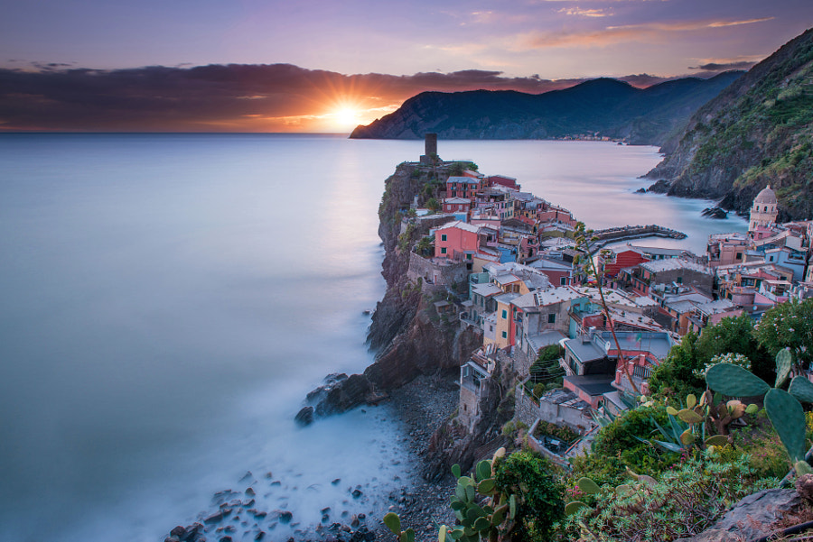 Sunshine to Vernazza by Marco Balderi  on 500px.com