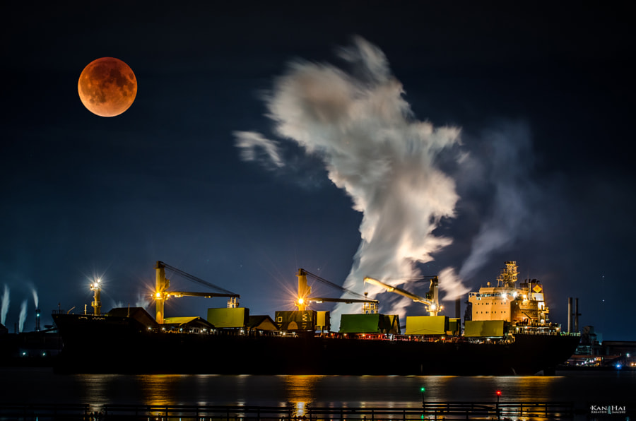 Supermoon Eclipse by Neil KanHai on 500px.com