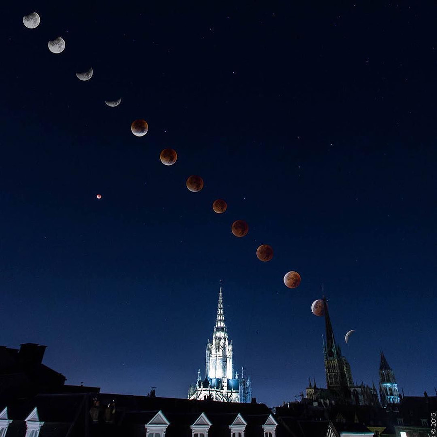 Supermoon lunar eclipse from Rouen France #rouen #rouentourisme #rouenbynight #supermoon #eclipse #l by Thomas Ciezar on 500px.com