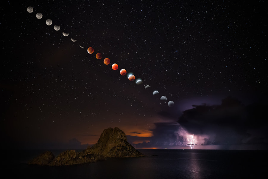 Blood Moon by Jose Antonio Hervas on 500px.com