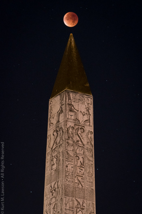 Super Blood Moon Eclipse Over Obelisk - Single Exposure Edition by Kurt Lawson on 500px.com
