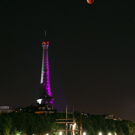 Eiffel Tower, SuperMoon & Lunar eclipse 1