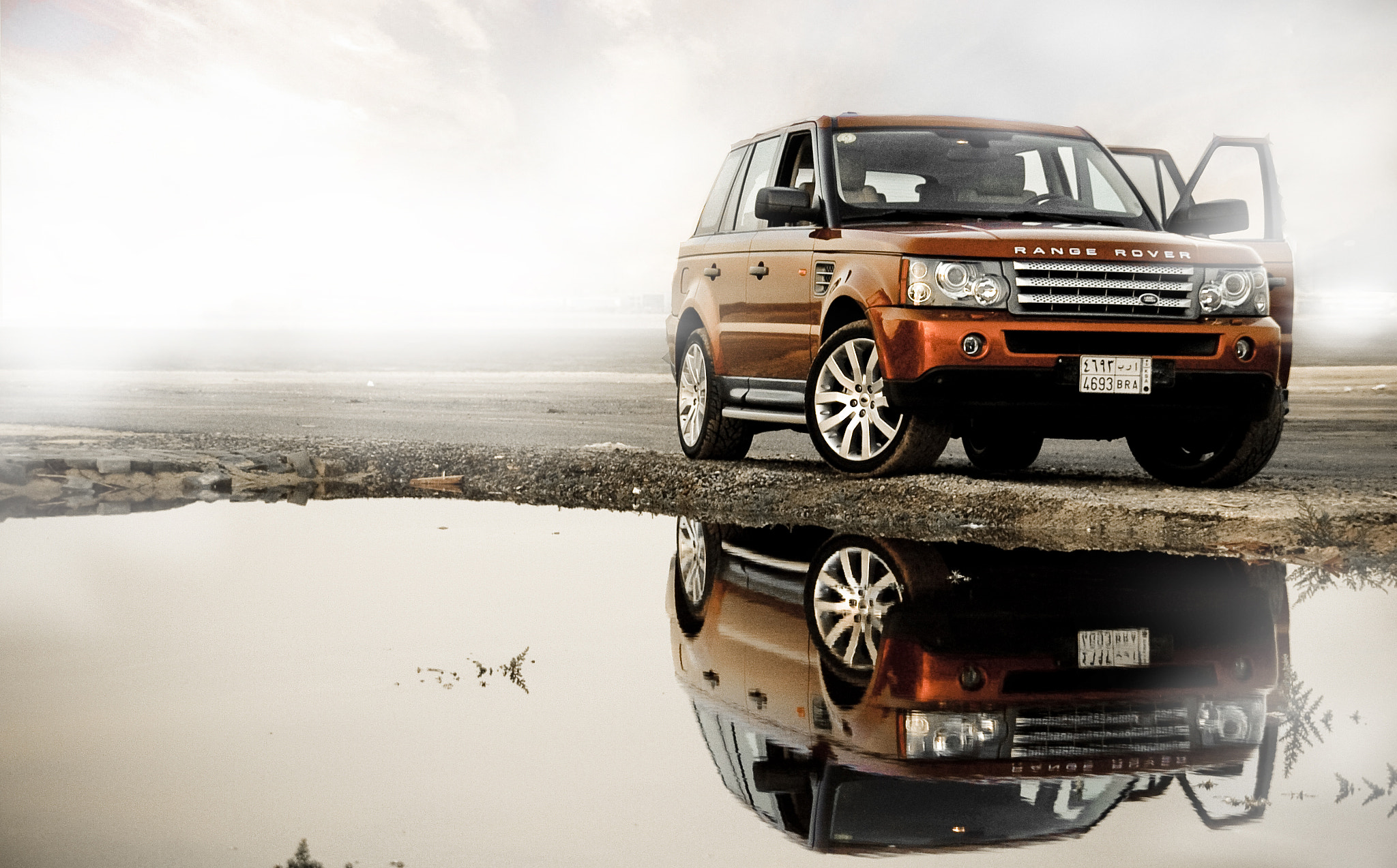 Photograph RangeRover by Soud Aldyouli on 500px