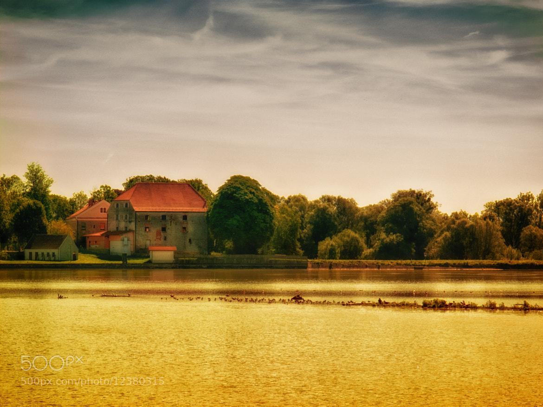 Photograph Golden Inn by Georg Tueller on 500px
