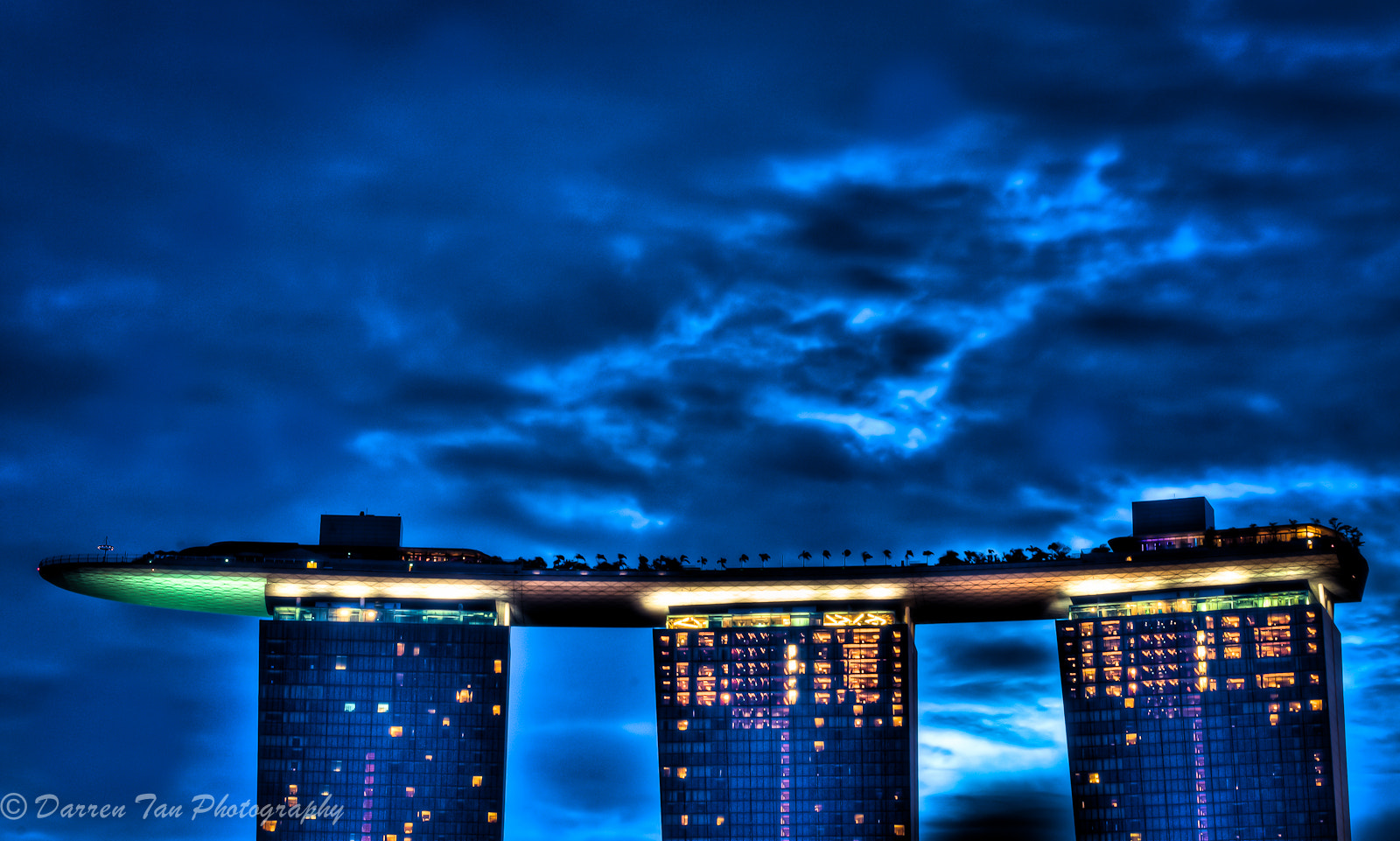 Photograph The Sky Park of Singapore @ Marina Bay Sands by DARREN TAN on 500px