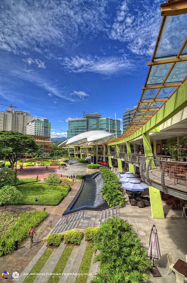 Photograph ayala center by Reiniel Pasquin on 500px
