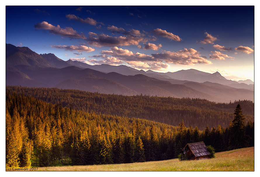 Photograph Small wooden hut by Castillion . on 500px
