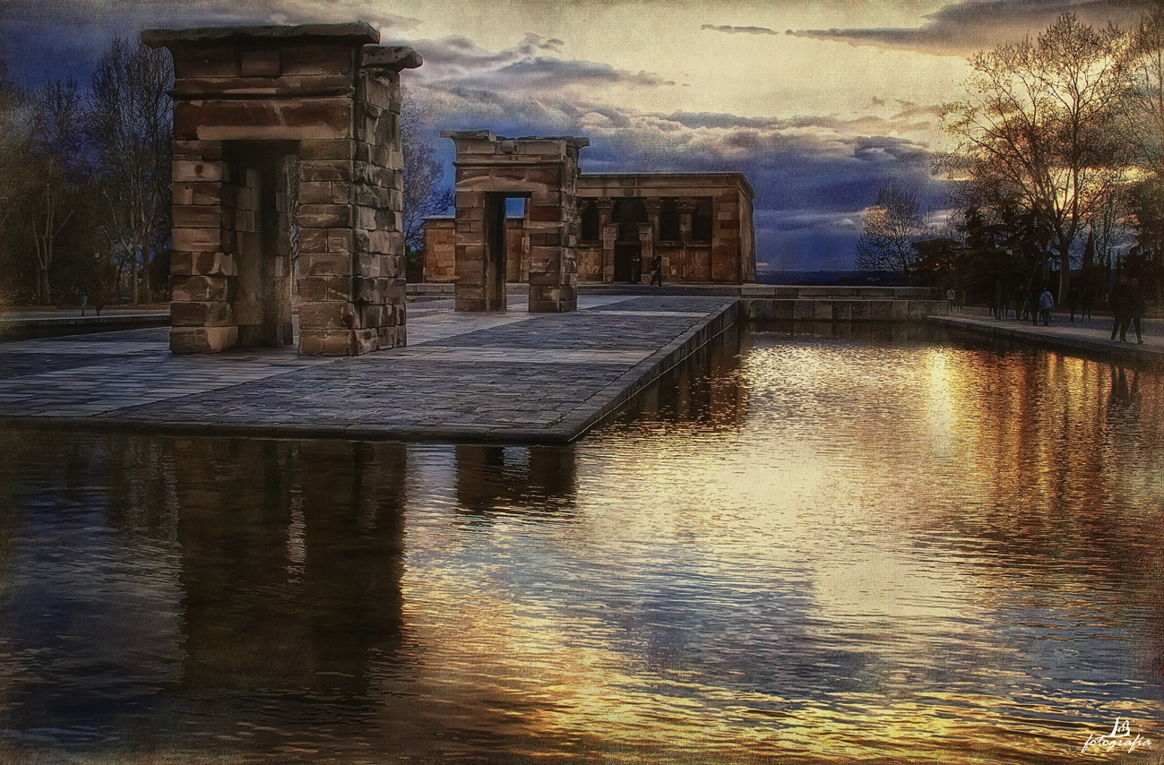 Photograph Sunset over the Temple by Manuel Lancha on 500px