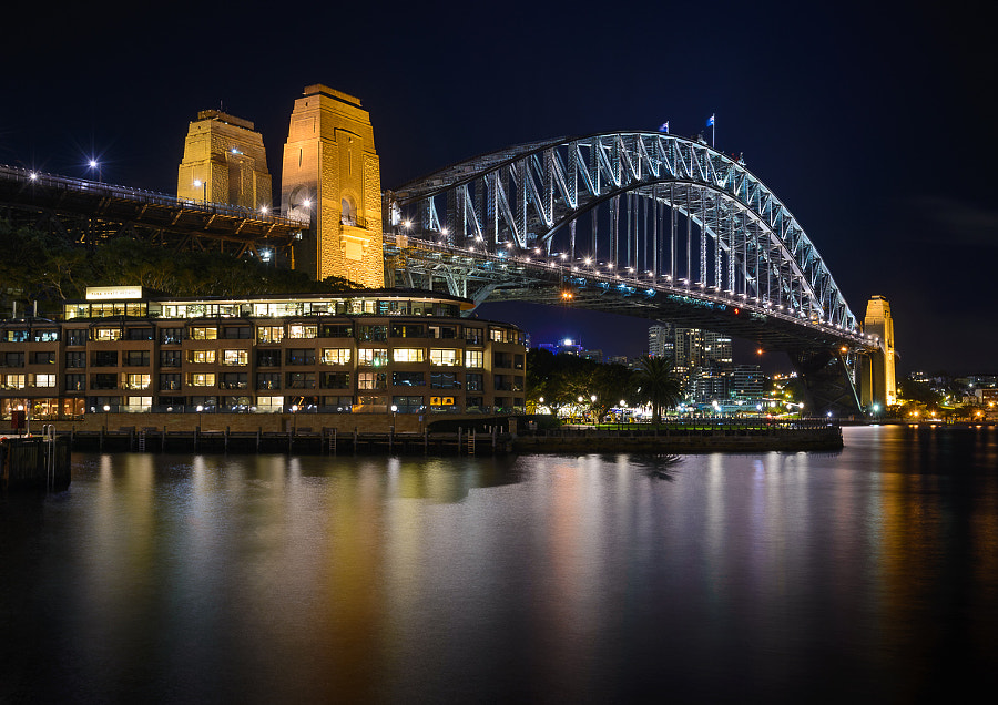 Iconic view of the Sydney Harbour Bridge at night