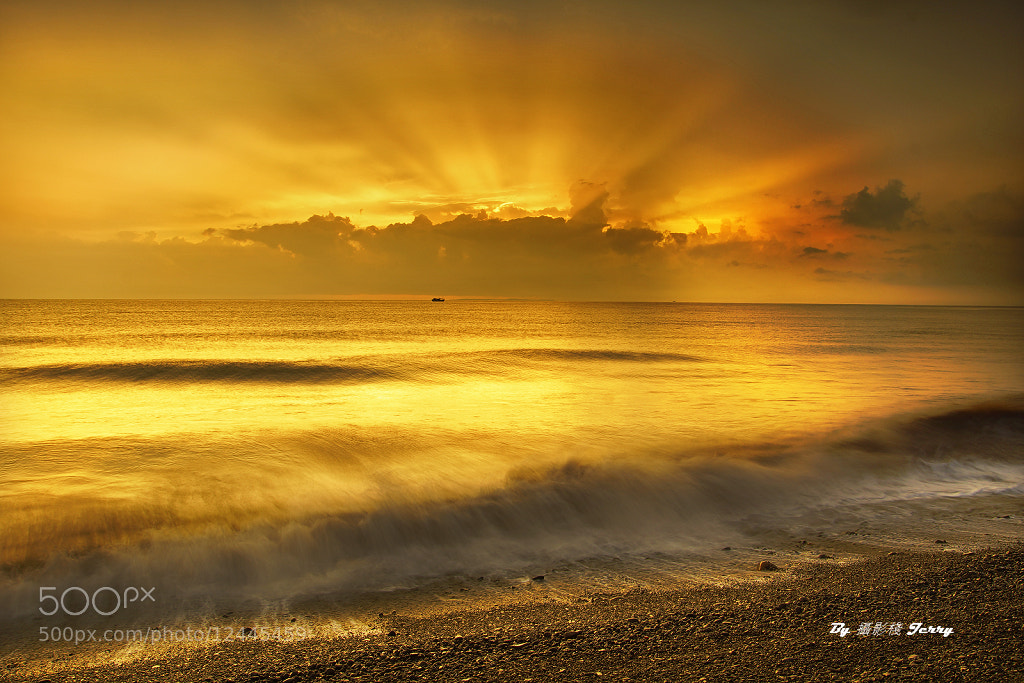 Photograph Gold Coast (R.O.C) by 啟舫 徐 on 500px