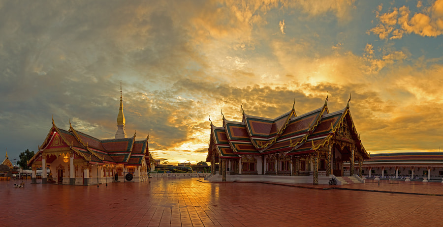 Wat That Choeng Chum,Sakon nakhon,Thailand by sutiporn somnam on 500px.com