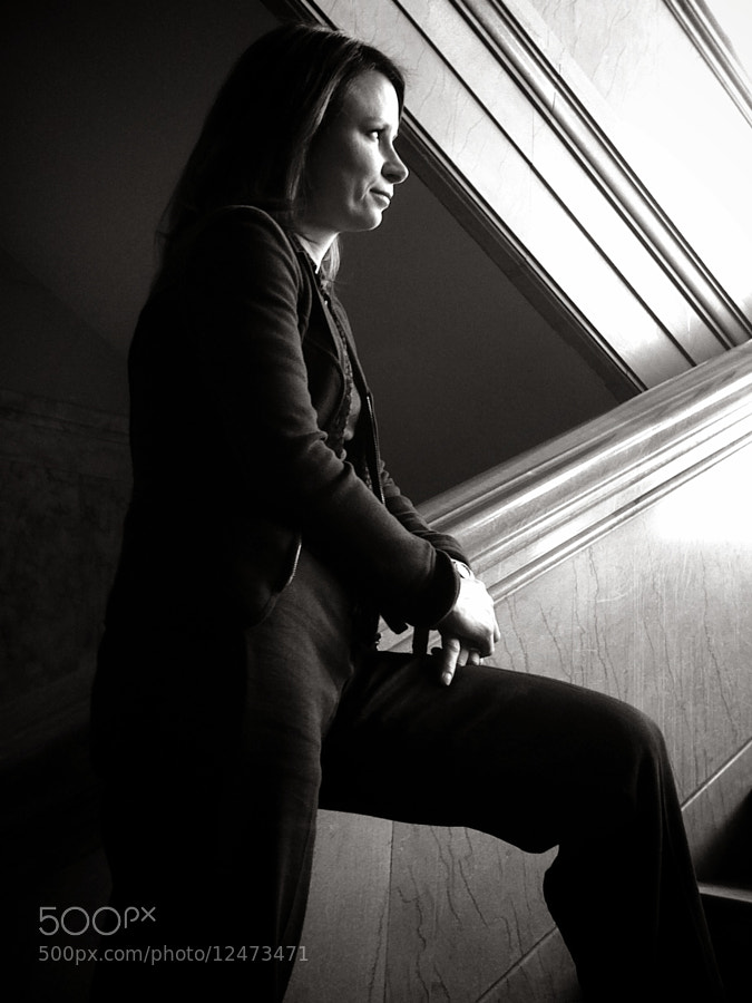 Mary Lynn Rajskub waiting between scenes.