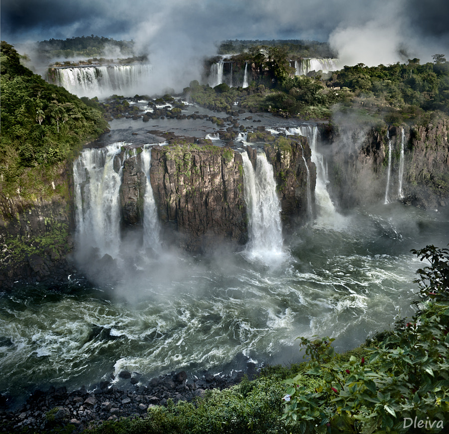 Iguazu Falls (Argentina - Brasil) by Domingo Leiva on 500px.com