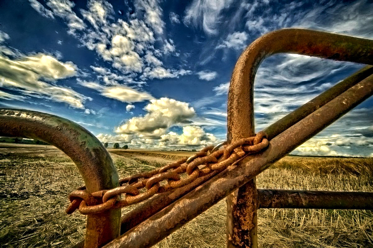 Photograph The locked gate. by EDWARD DULLARD on 500px