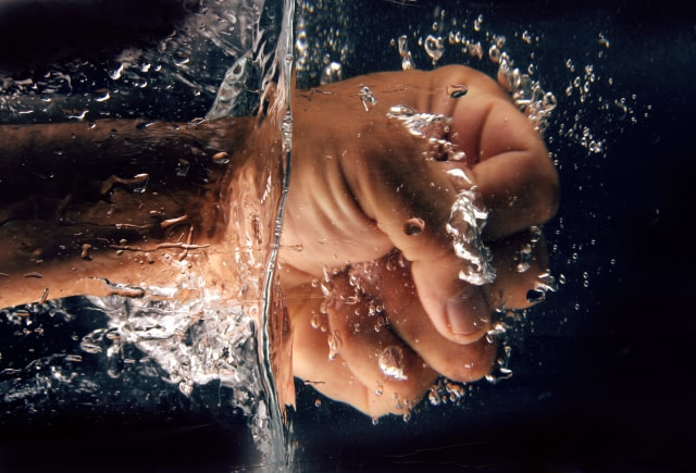 Photograph hand splash by Saeed Nassri on 500px
